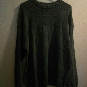 Roundtree and Yorke men's gray pullover sweater